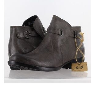 NWT Born JEM leather boots